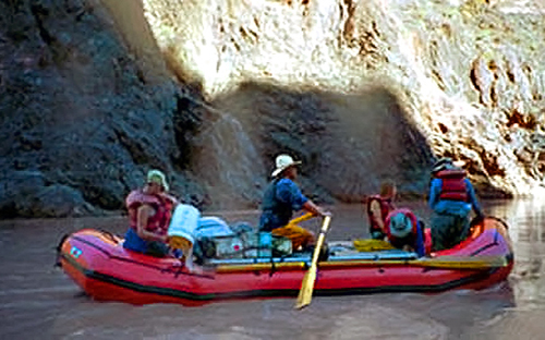 Calm water trip on Horsethief and Ruby Canyon rafting trip